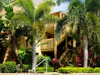 Private beach with lounges and umbrellas! - Siesta Key vacation rentals