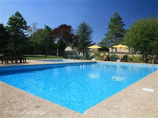 Verseau - Newly renovated 4 bedroom Gite 26/08 reduced from £1200 to £850 - Doeuil sur le Mignon vacation rentals