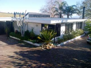 Nice Condo with Internet Access and Satellite Or Cable TV - Stellenbosch vacation rentals