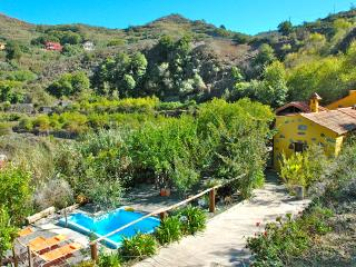 Sweet holidays w/ Private Pool perfect for Hikers - Valleseco vacation rentals