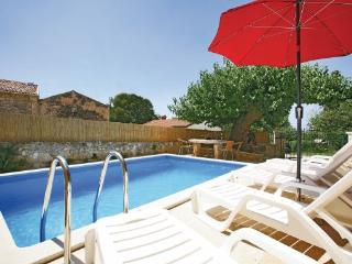 4 bedroom Villa in Porec Fuskulin, Istria, Porec, Croatia : ref 2046388 - Mugeba vacation rentals