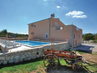 4 bedroom Villa in Split Dicmo, Central Dalmatia, Split, Croatia : ref 2046460 - Sinj vacation rentals
