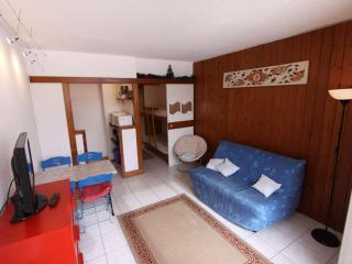 Cozy Isola Studio rental with Television - Isola vacation rentals