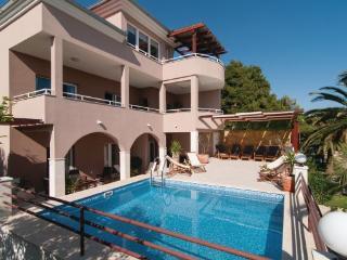 8 bedroom Villa in Trogir Kastel Gomilica, Central Dalmatia, Trogir, Croatia : ref 2046824 - Kastela vacation rentals