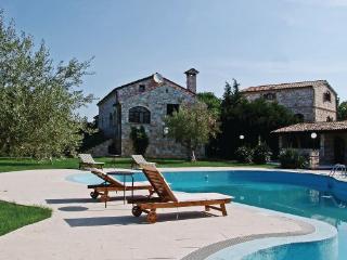 5 bedroom Villa in Bale, Istria, Croatia : ref 2046867 - Bale vacation rentals