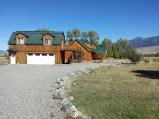 Montana Yellowstone River Retreat - Livingston vacation rentals