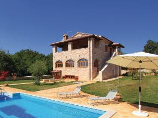 2 bedroom Villa in Porec Banki, Istria, Porec, Croatia : ref 2046908 - Baderna vacation rentals