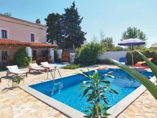 5 bedroom Villa in Vodnjan Kuzinici, Istria, Vodnjan, Croatia : ref 2047077 - Divsici vacation rentals