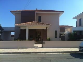 Cozy 3 bedroom Villa in Pyla with Internet Access - Pyla vacation rentals