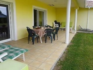Nice House with Internet Access and Dishwasher - Biarrotte vacation rentals