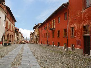 Bright 2 bedroom Saluzzo House with Television - Saluzzo vacation rentals