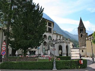 Comfortable 1 bedroom House in Courmayeur - Courmayeur vacation rentals