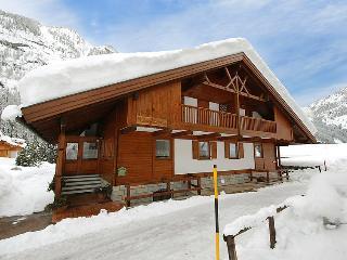 4 bedroom Villa in Canazei, Dolomites, Italy : ref 2057674 - Penia vacation rentals