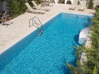 4 bedroom Villa in Kalamaki, Crete, Greece : ref 2058944 - Kalamaki vacation rentals