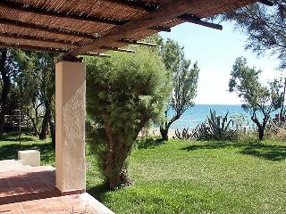 3 bedroom Villa in Amaliada, Peloponese, Greece : ref 2059364 - Amaliada vacation rentals