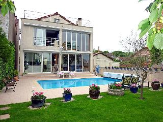 Villa in Paris   Pantin, Ile de France, France - Les Lilas vacation rentals