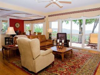 Gorgeous 4 bedroom House in Hendersonville - Hendersonville vacation rentals