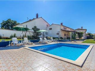 4 bedroom Villa in Marcana, Istria, Duga uvala, Croatia : ref 2061155 - Pavicini vacation rentals