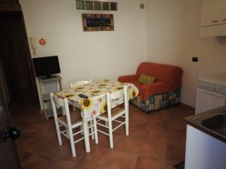 Bilocale con terrazzino vicino al Lavatoio - Cefalu vacation rentals