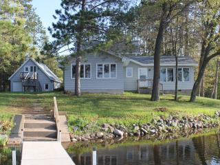 Modern Spacious Home on Beaver Lake Sleeps 10/14 - Hayward vacation rentals