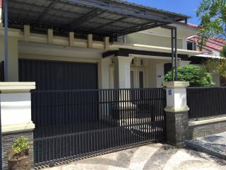 Cozy and Luxury Home Near Beaches - Padang vacation rentals