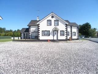 Large holiday home in Ballycastle - Ballycastle vacation rentals