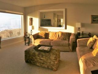 #822/1 - Premium Ocean and Beach View - Westport vacation rentals