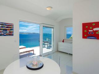 Perfect 1 bedroom Apartment in Hvar with A/C - Hvar vacation rentals