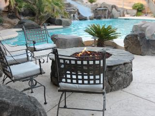 LV 8 Bedroom Home Private Pool, Putting Green ++ - Las Vegas vacation rentals