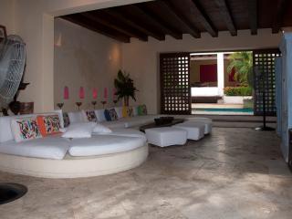 Stunning 5 Bedroom Old City Mansion - Cartagena vacation rentals
