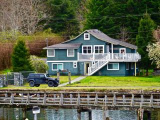 Beautiful House with Internet Access and House Swap Allowed - Bamfield vacation rentals