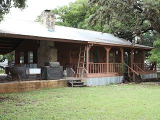 Yellow Rose Ranch - Pavilion House - Tarpley vacation rentals