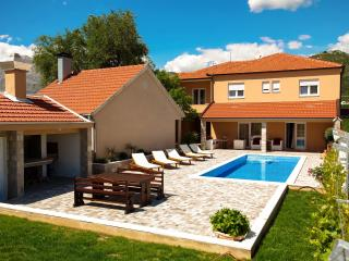 Private holliday home Villa VRNAUTIC-A1 - Makarska vacation rentals
