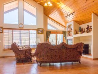 Mountain View lodge 1hr to Grand Canyon and Sedona - Flagstaff vacation rentals