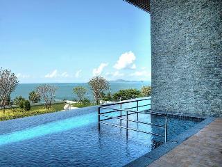Beachfront Luxury  Condo 22nd Floor Amazing Views - Jomtien Beach vacation rentals