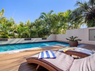 Siana's Holiday Beach House - Beach Front - Buddina vacation rentals