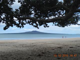 3 bedroom House with Deck in Takapuna - Takapuna vacation rentals