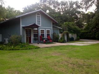 Wonderful 1 bedroom Ocean Springs Cottage with Internet Access - Ocean Springs vacation rentals