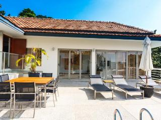 4 bedroom sea view villa in Kata - Reduce price - Patong vacation rentals