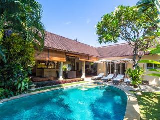 Luxurious Classy Unique Private Seminyak Villa - Seminyak vacation rentals