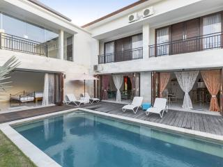 Comfortable Villa with Deck and Internet Access - Jimbaran vacation rentals