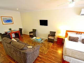 Queen Studio BQ - Busselton vacation rentals