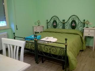 Nice House with Internet Access and A/C - Pozzomaggiore vacation rentals