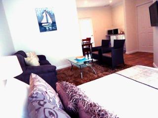 Queen Studio NQ - Busselton vacation rentals
