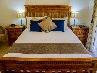 Budget Queen Room LQ - Busselton vacation rentals