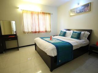 Nice Villa with Television and Fitness Room - Surat vacation rentals