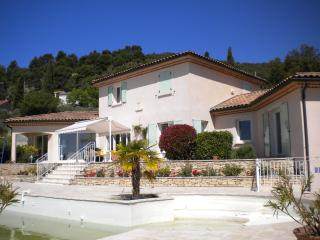 Nice House with Internet Access and Dishwasher - Villeneuve vacation rentals
