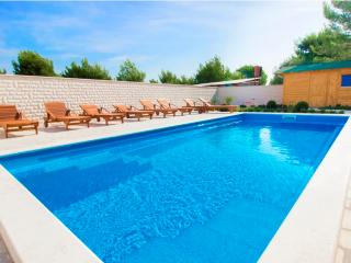 Luxury apartment with swimming pool A3 - Srima vacation rentals