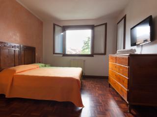 Stanza privata doppia in casa a schiera - Padua vacation rentals