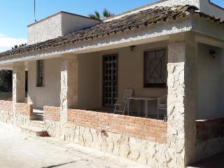 Beautiful 3 bedroom Noto Villa with Deck - Noto vacation rentals